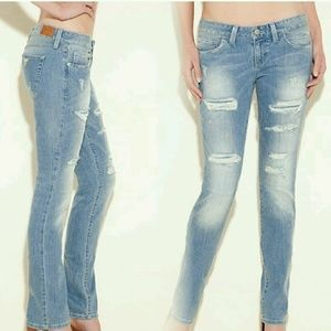 GUESS STARLET STRAIGHT LEG JEANS –CANDOS DESTROY